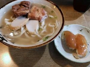 大東寿司といっしょに沖縄そば
