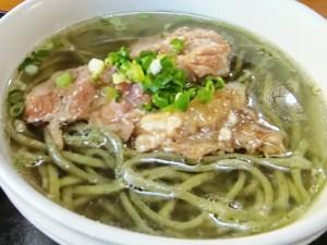 よもぎ麺の沖縄そば!!